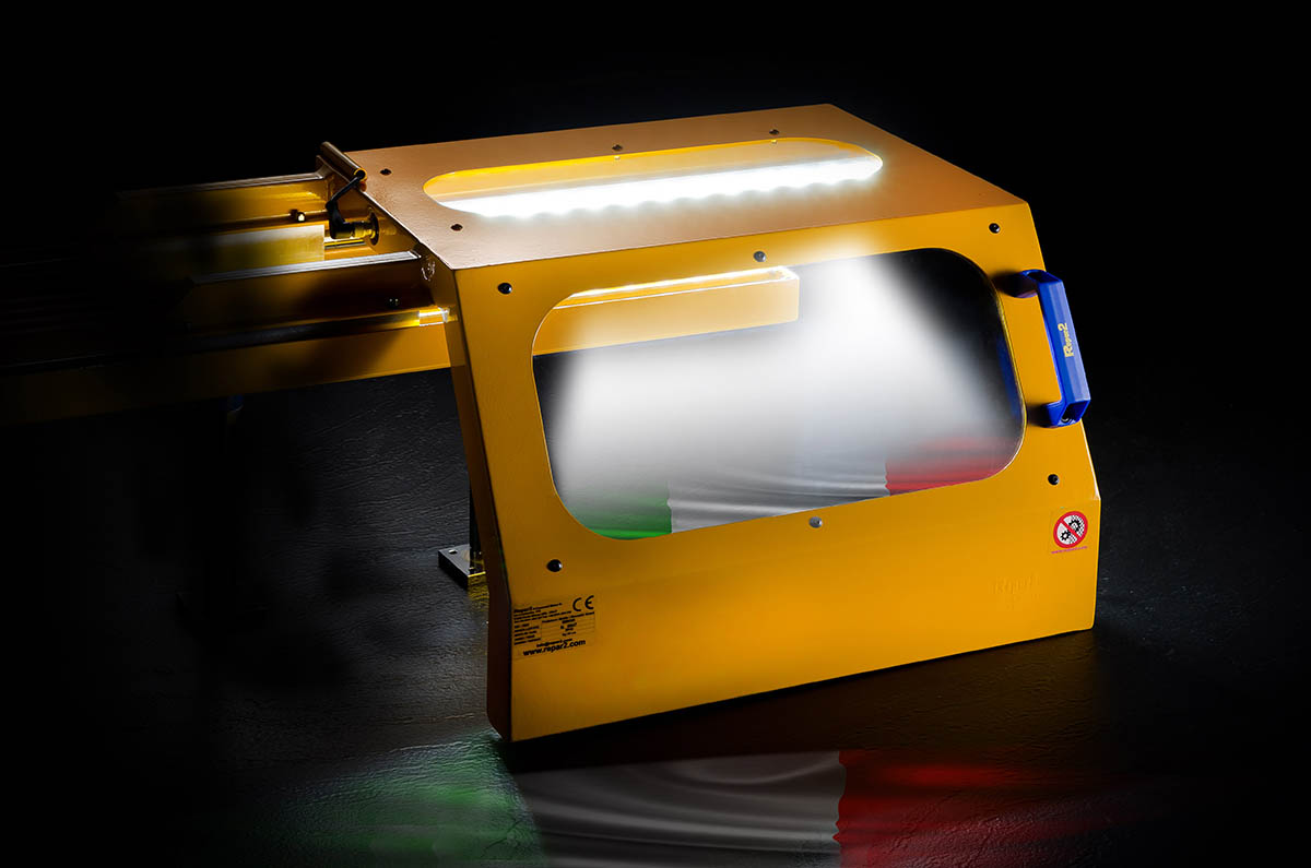 Safety Guards for Turning Machines 1MINOR AER & 1MINOR SPECIAL LED Light System